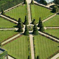 chateau_de_pizay_jardin.jpg