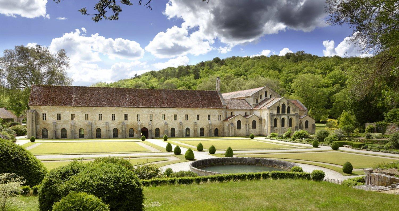 la-beaute-et-la-purete-de-l-abbaye-de-fontenay-ont-traverse-les-siecles-photo-f-dupin-1602755433.jpg